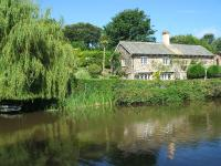 Kivells estate agents Bude canal-side property