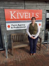 Phoebe Millar outside Kivells outside Kivells Holsworthy Livestock Market