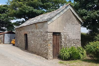 Stone barn building of Jenns Farm Bradworthy, for sale with Kivells