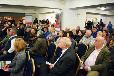 Kivells property auction bidders