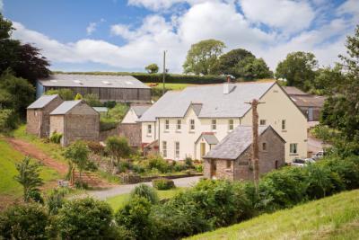 Pollardscombe Farm, Slapton - Exterior shot of farmhouse