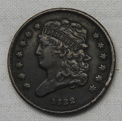 USA 1832 half cent sold £55